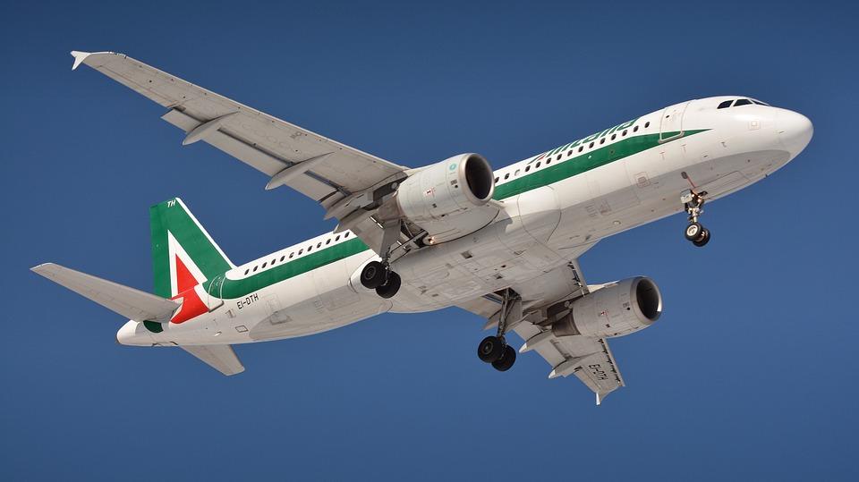 Quanto costa fare cambio prenotazione Alitalia dall'estero
