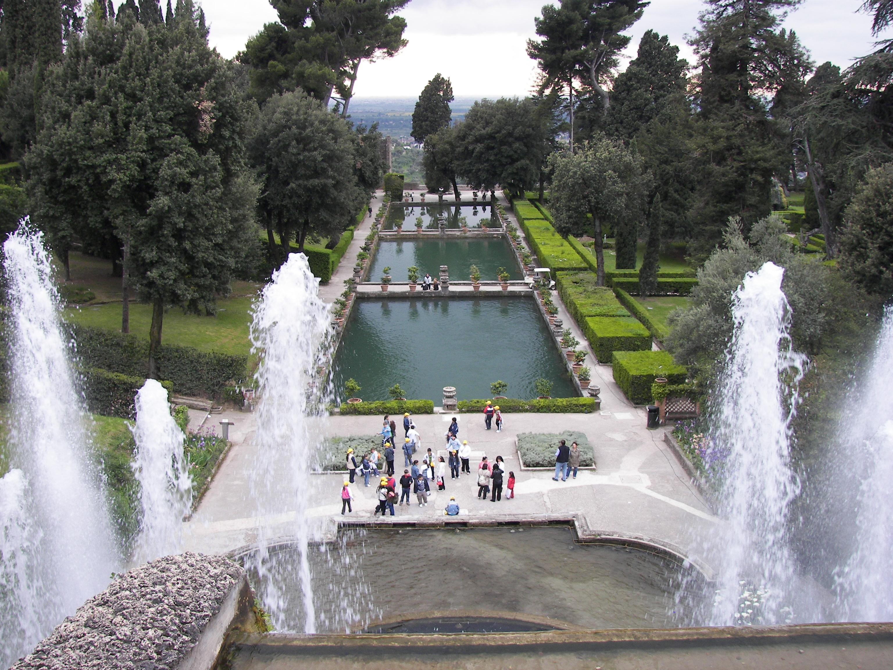 Villa D'Este, orari notturni estivi