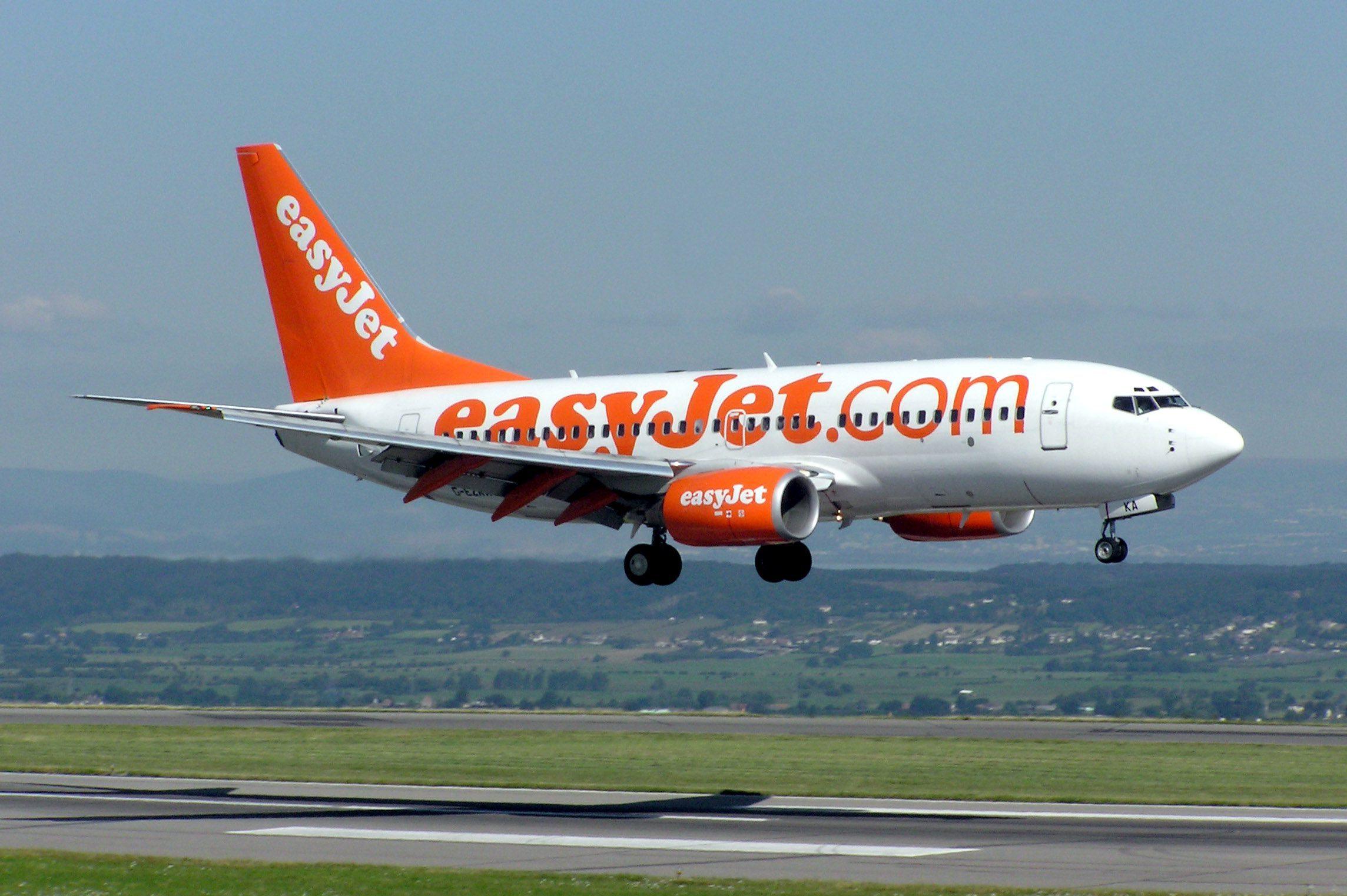 Come comprare un biglietto aereo online - Easyjet cosa si puo portare in aereo ...