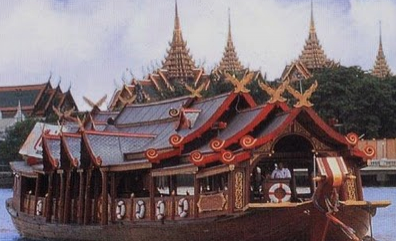 Cena-crociera sul fiume Chao Phraya in Thailandia