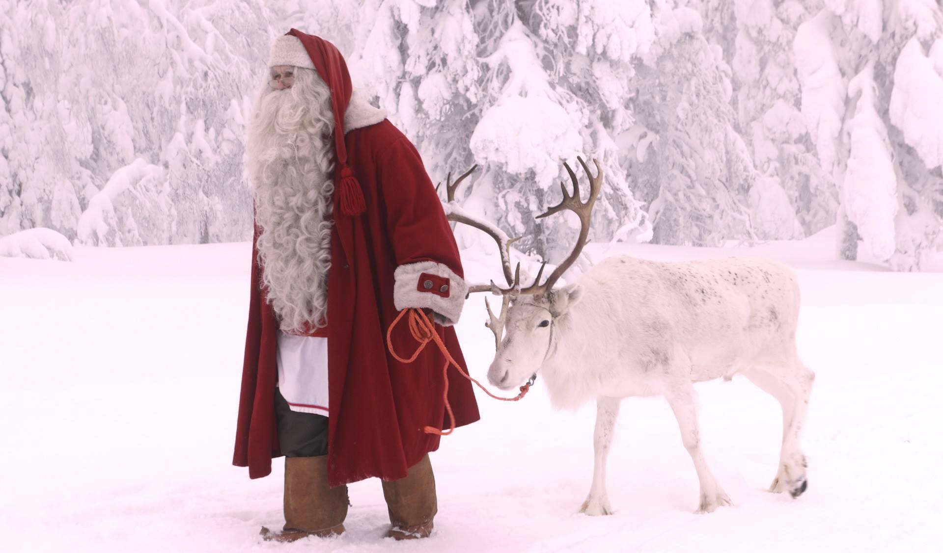Viaggio Paese Babbo Natale.Lapponia Viaggio Nel Paese Di Babbo Natale Viaggiamo