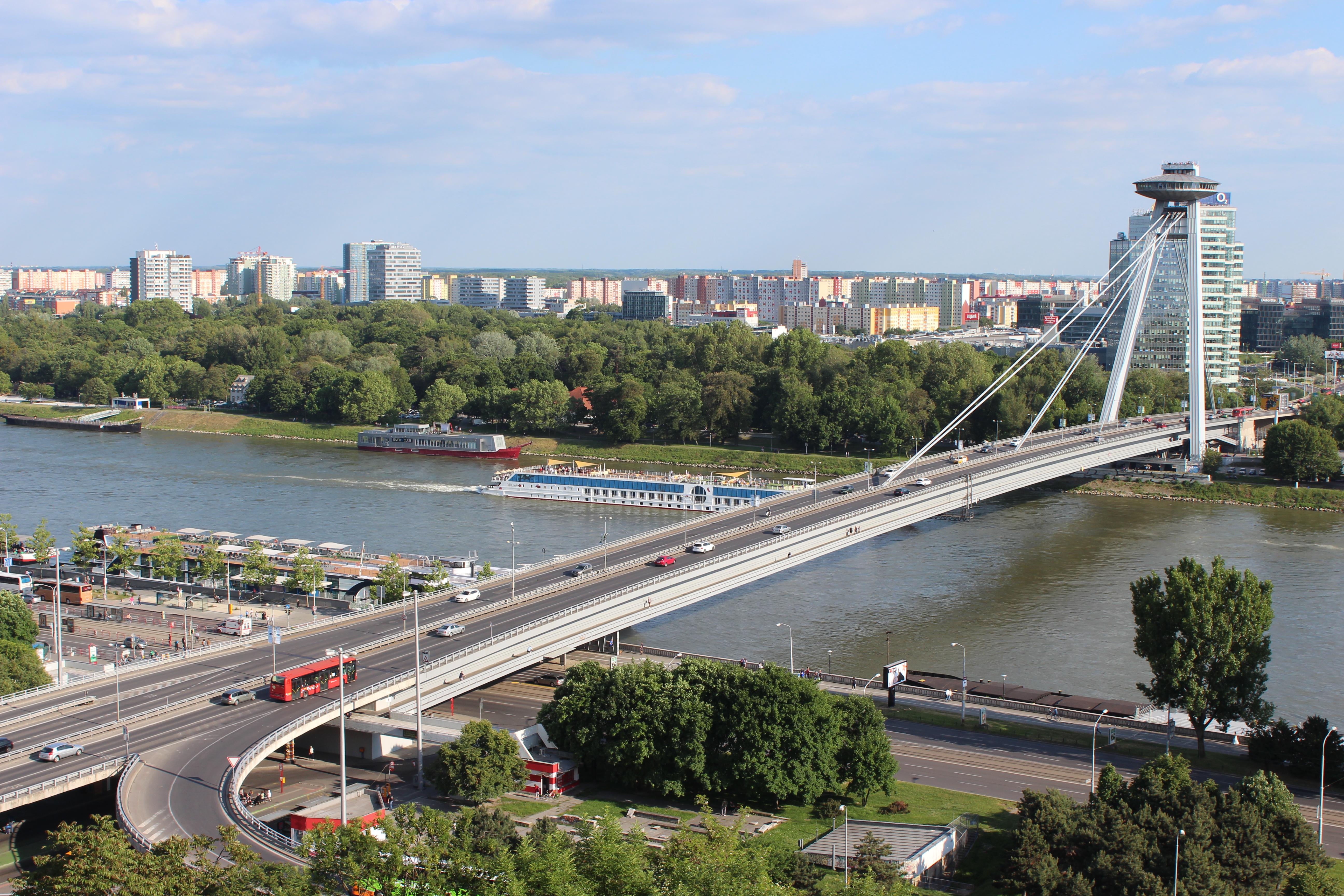 Ponte di Nový Most a Bratislava.