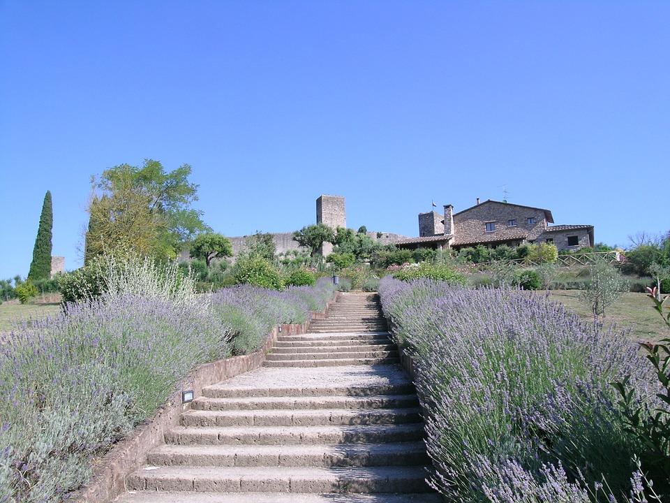 Monteriggioni scalinata