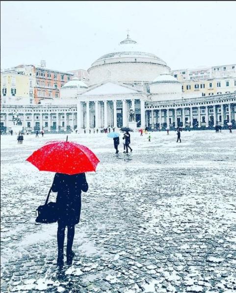 Neve al sud, Piazza Plebiscito innevata