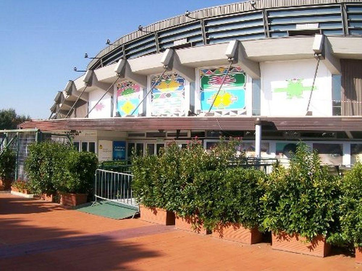 Florence   Mandela Forum   entrance