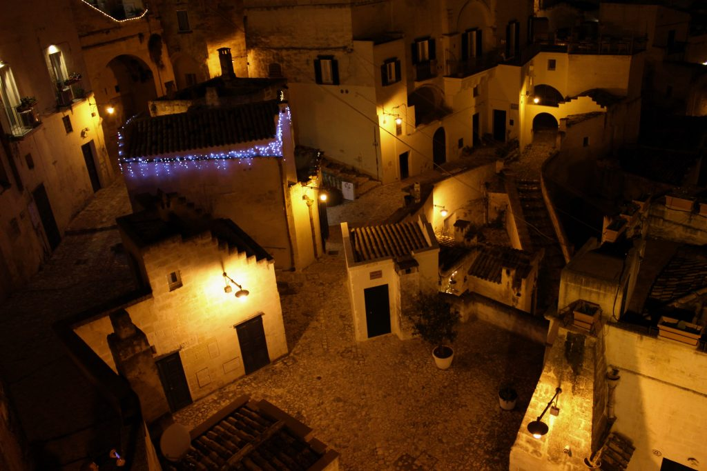 Matera, veduta notturna dei Sassi