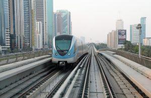 Emirati Arabi, arriva il treno che collega Dubai ad Abu Dhabi