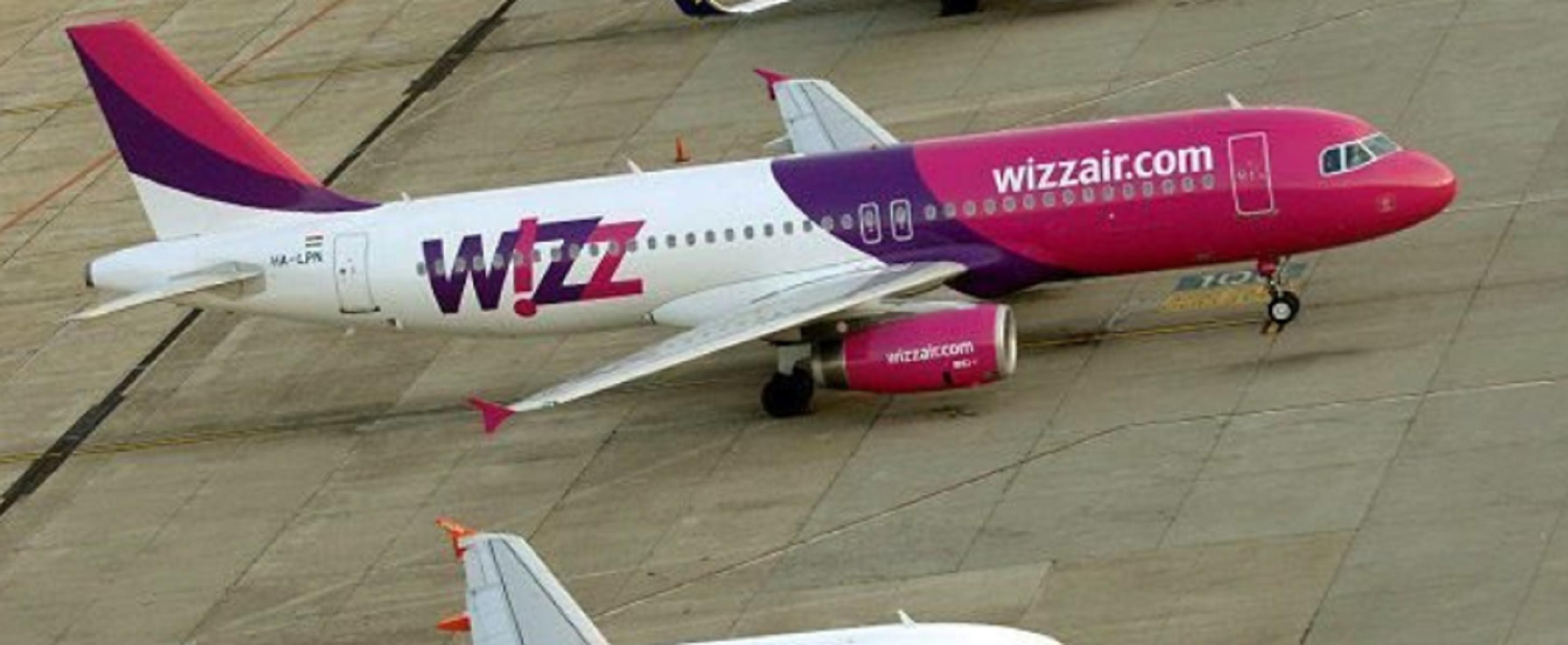 Bagaglio a mano, le nuove regole di Wizz Air dopo la multa
