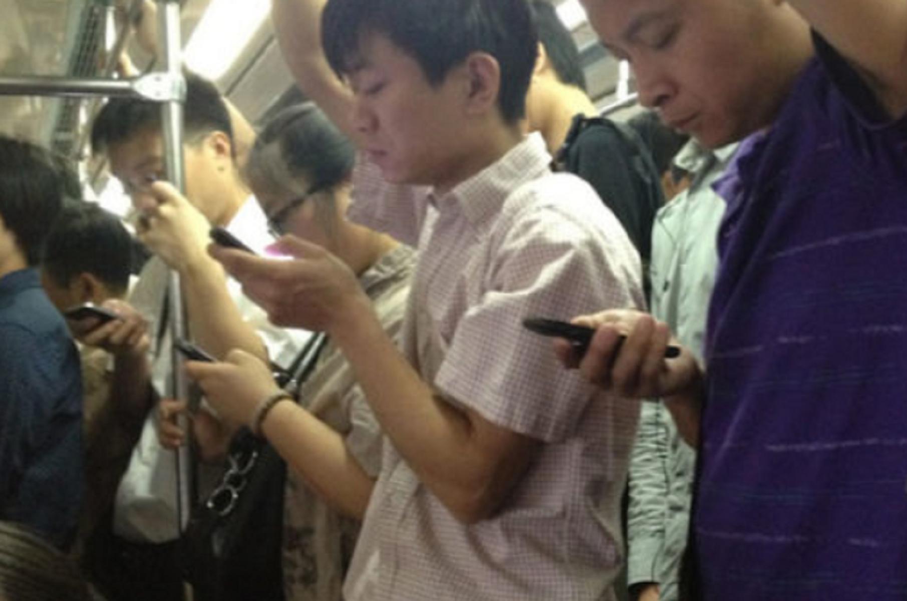 23 milioni di cinesi non possono viaggiare: colpa dei social