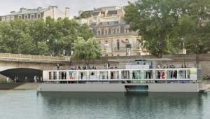 Fluctuart, il primo museo galleggiante del mondo apre a Parigi