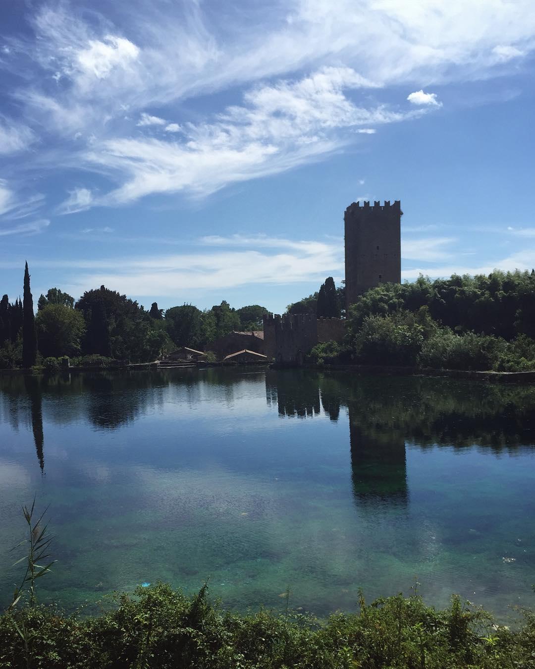 lago giardino ninfa