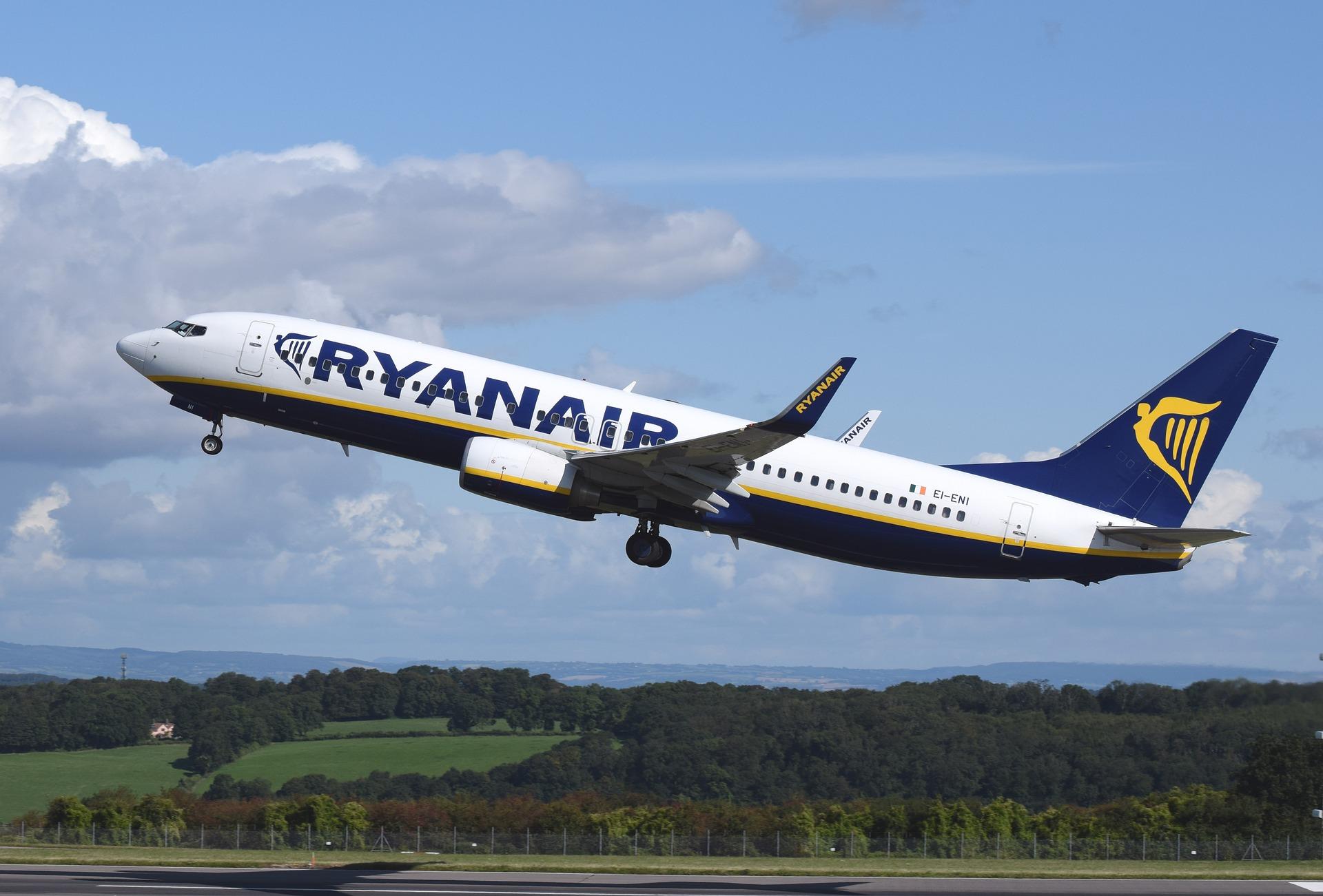 Ryanair, in arrivo il supplemento per i neonati