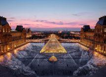 La piramide del Louvre compie 30 anni