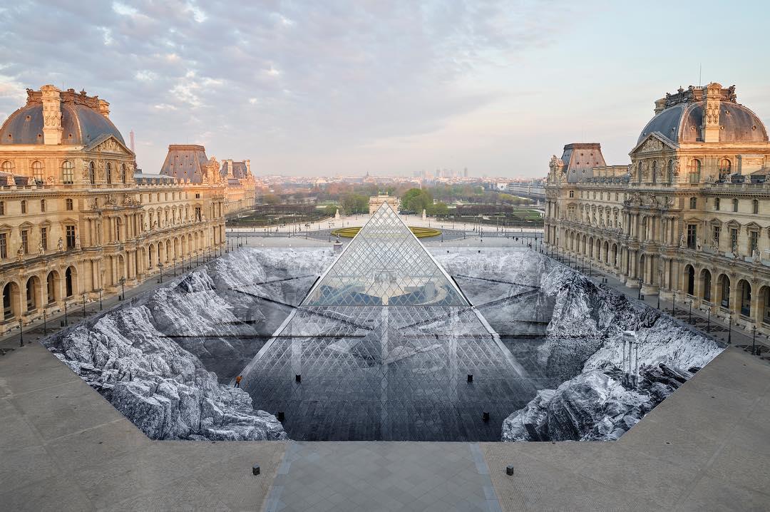 Louvre 30 anni