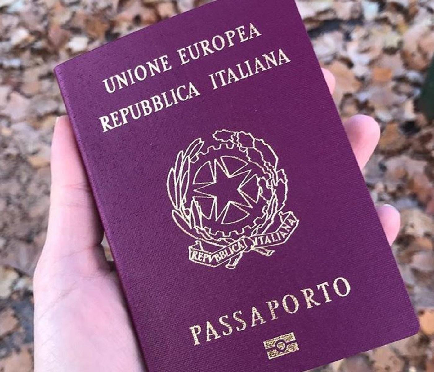 Come rinnovare il passaporto: prezzi e tempi