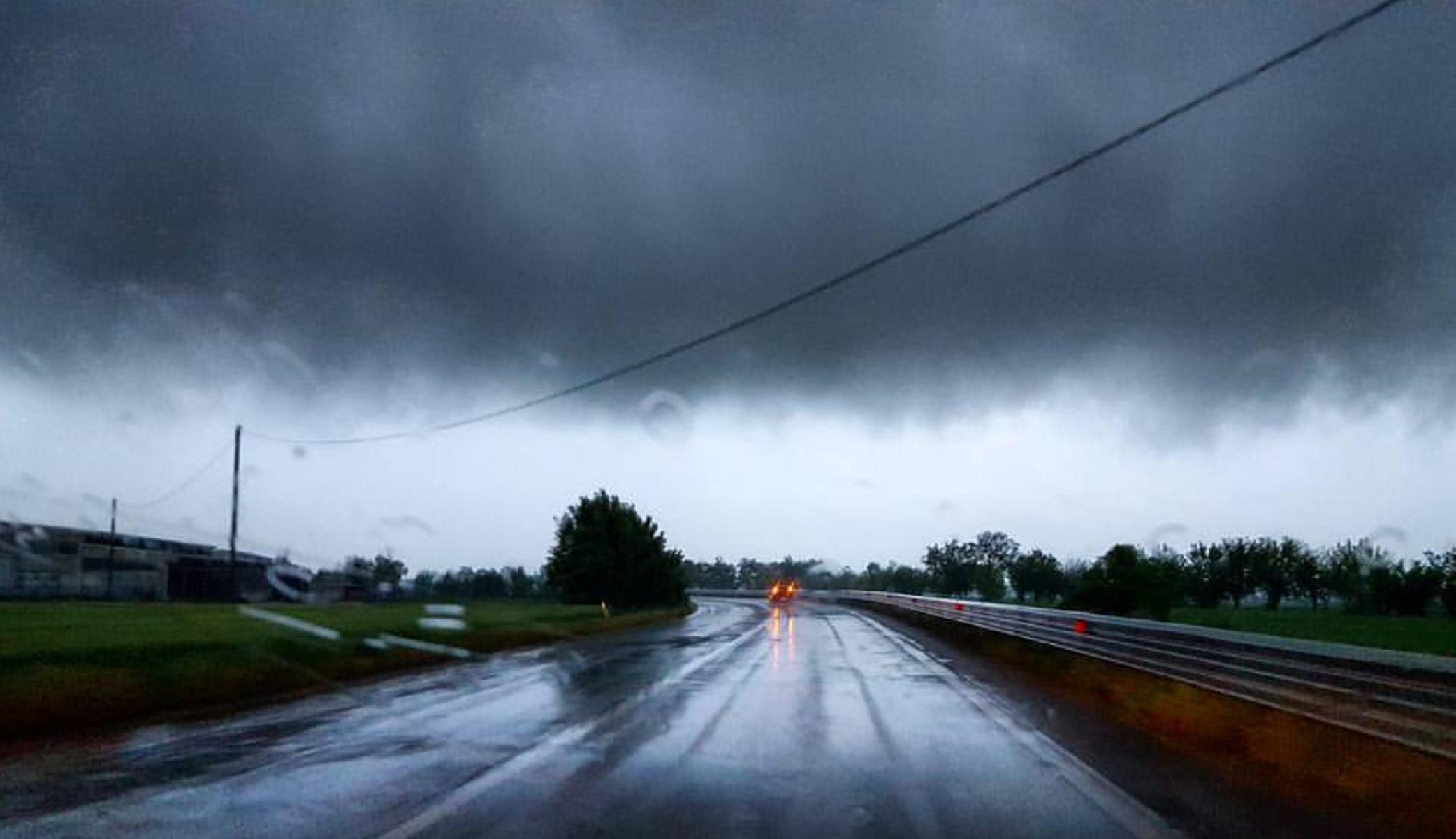 Meteo, forti piogge su tutta Italia
