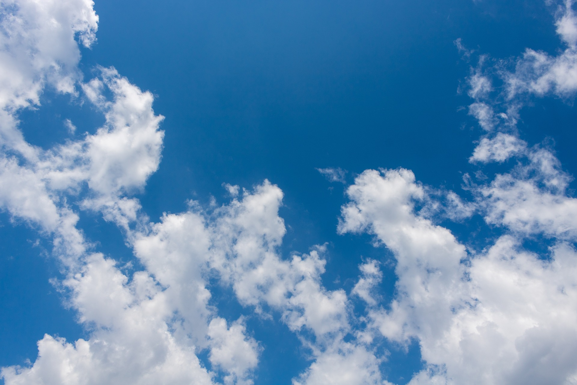 clouds-3404728_1920