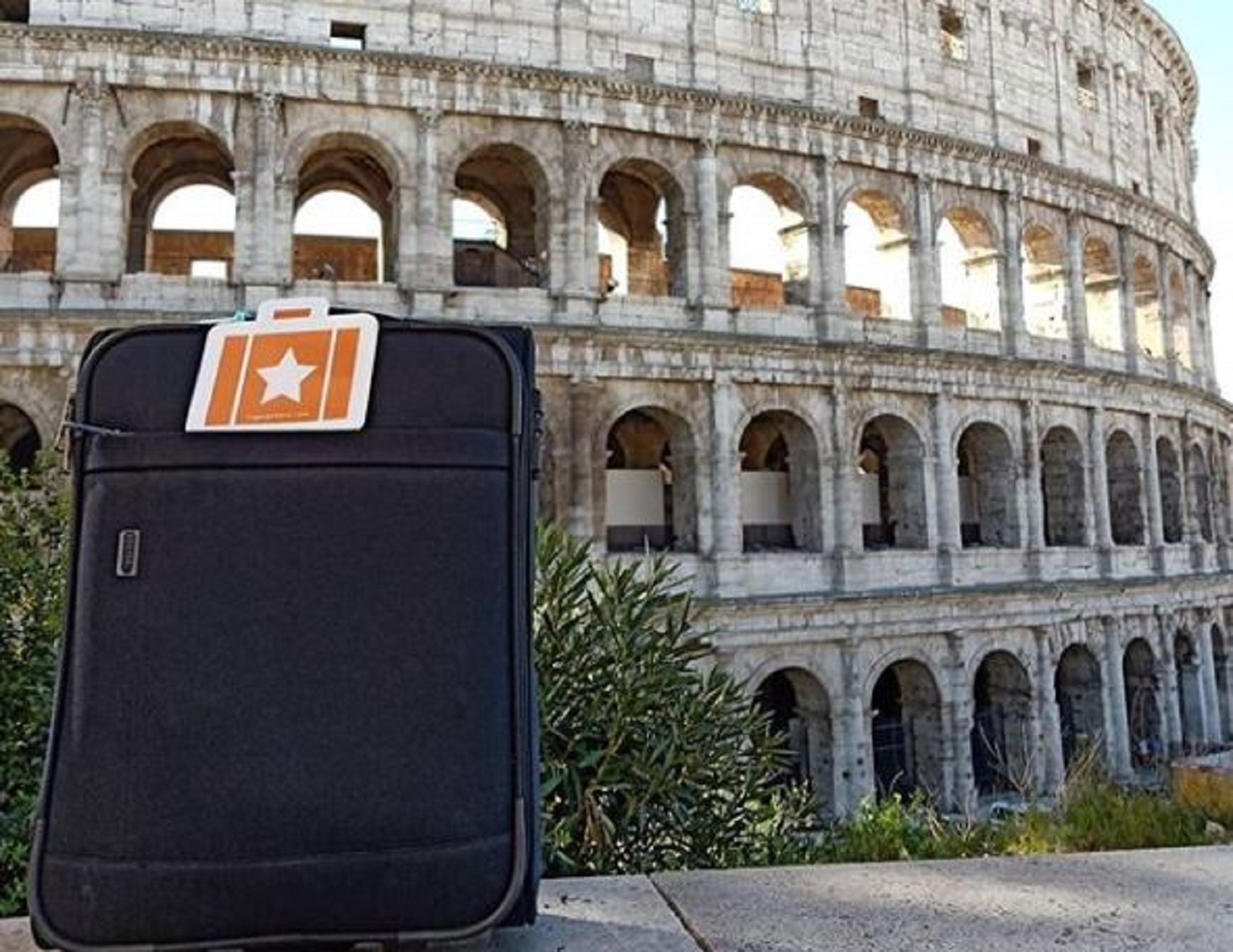 Roma, bar e negozi diventano depositi bagagli