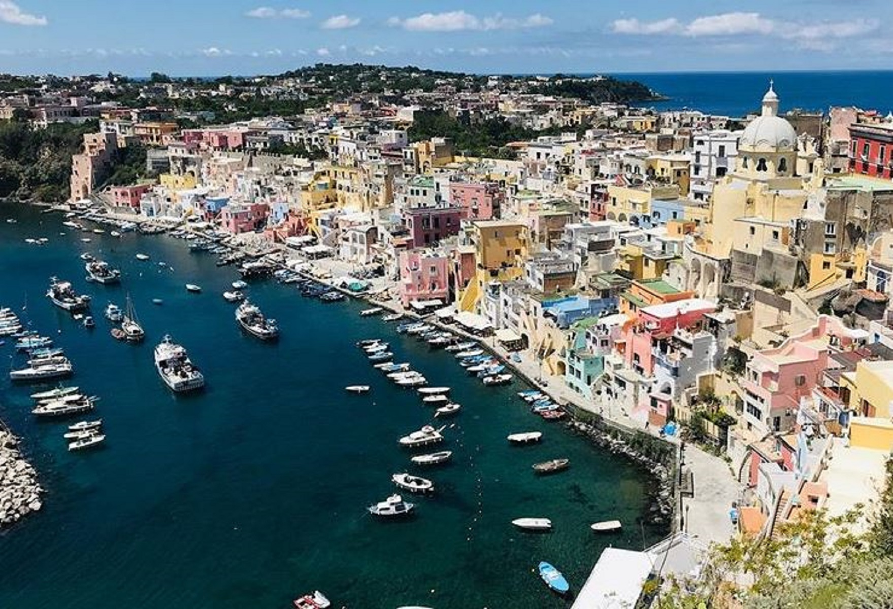 Procida tra le 20 meraviglie d'Italia da visitare