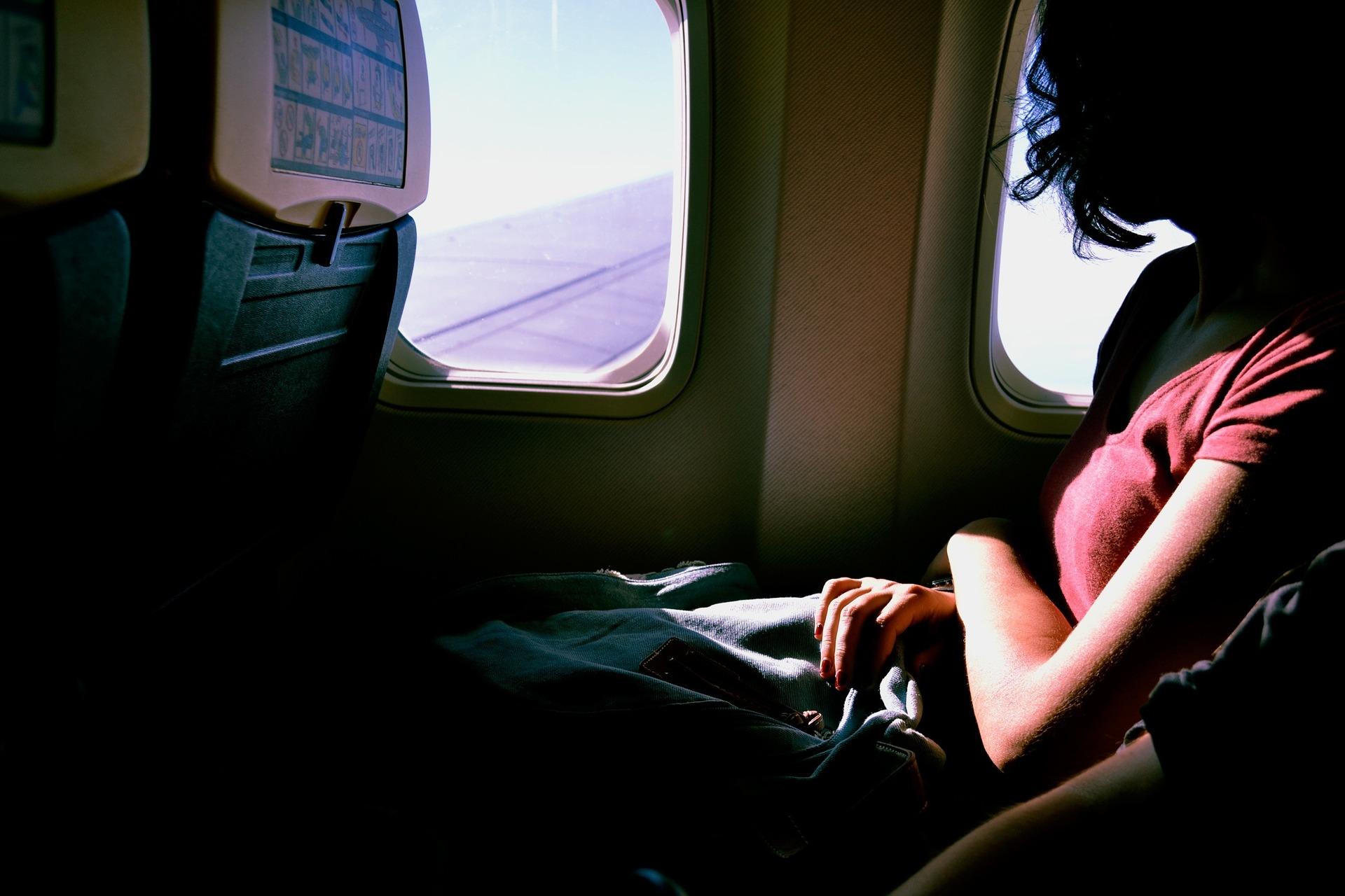 Viaggiare comodi in aereo: consigli utili