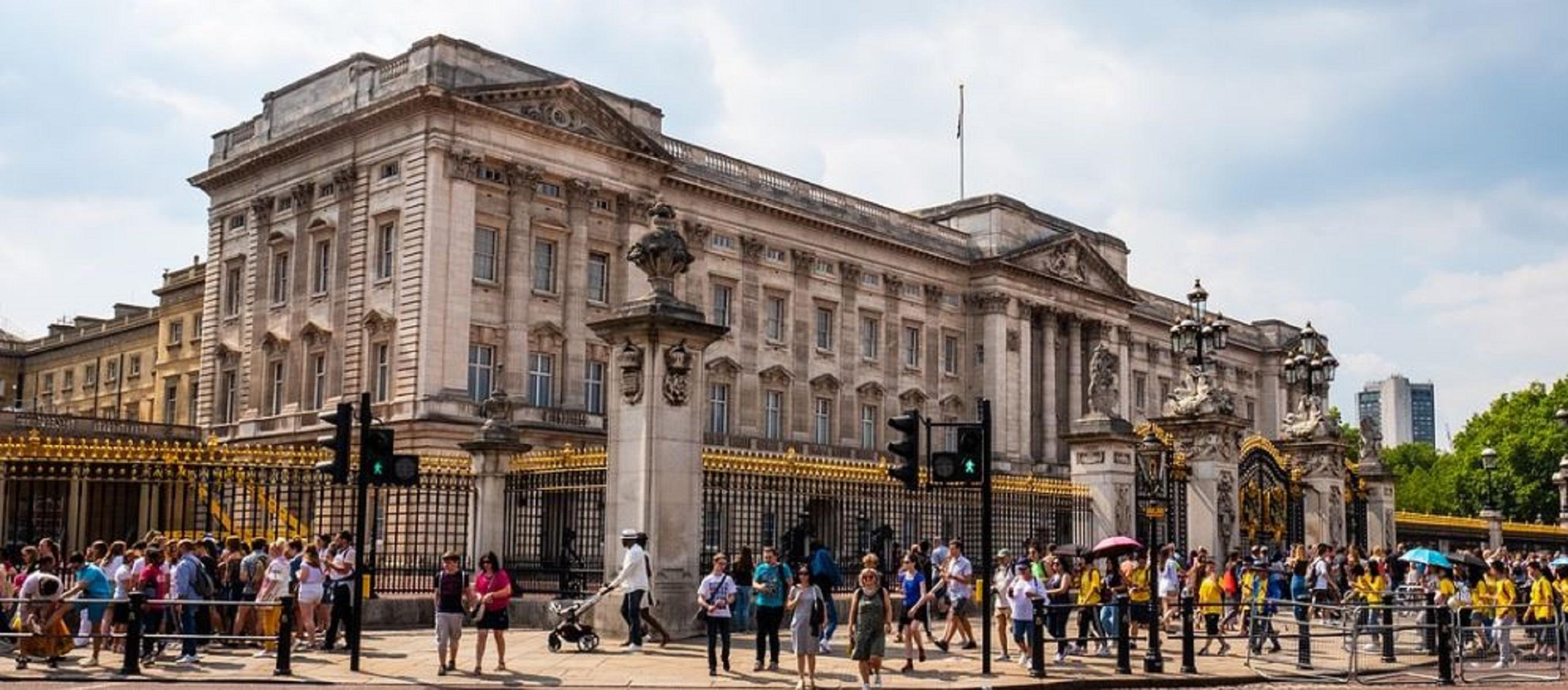 Buckingham Palace, come visitare le stanze segrete della Regina
