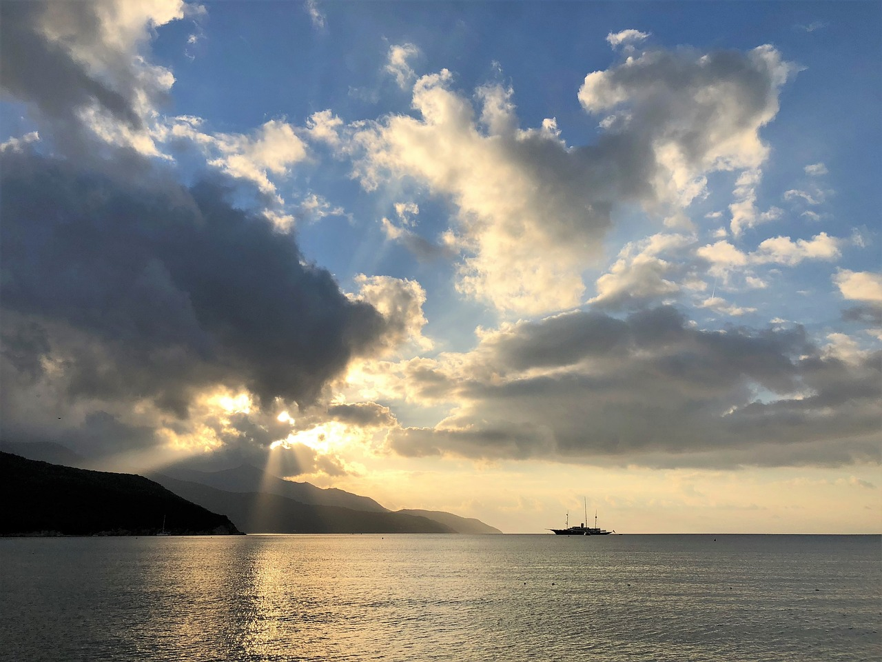 traghetto isola d'elba