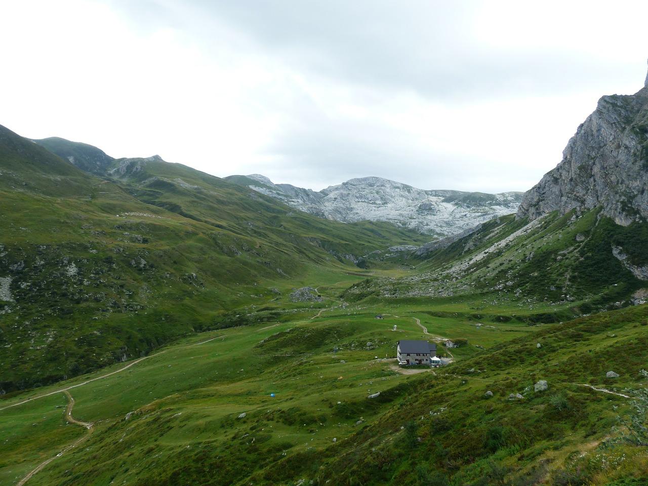 rifugi alpini lombardia