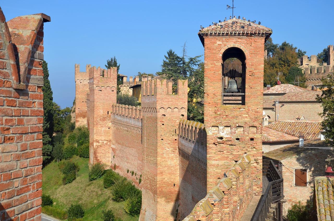castello di gradara aperto