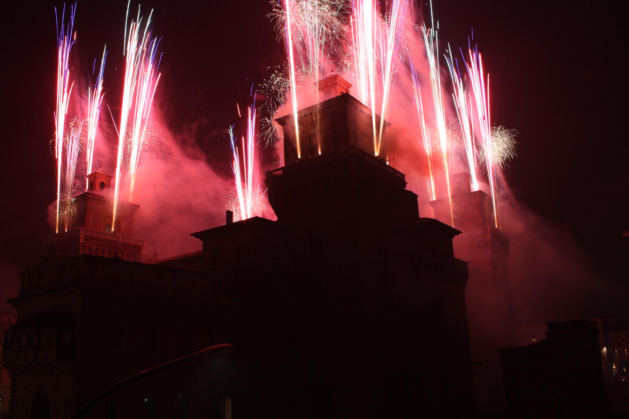 incendio castello estense