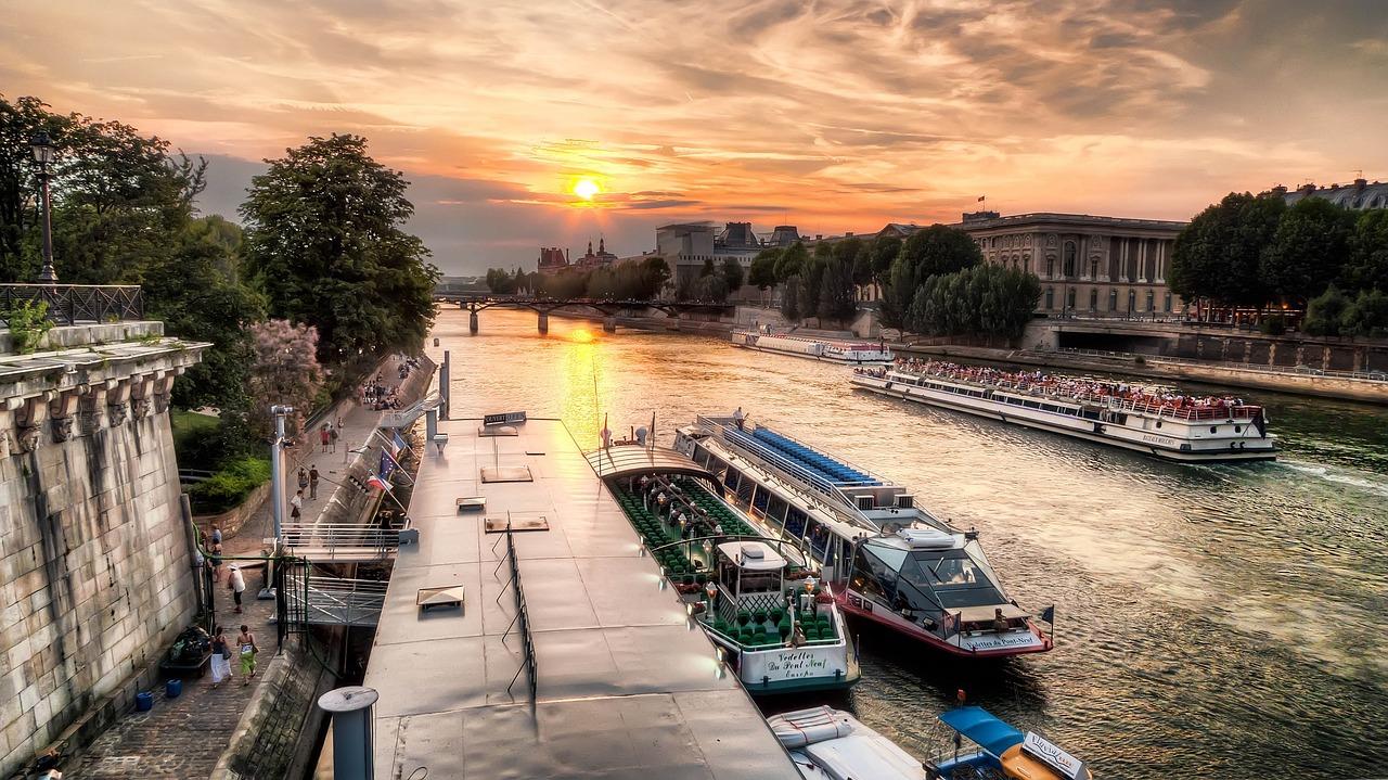 Cenone di Capodanno a Parigi sui Bateaux Mouches