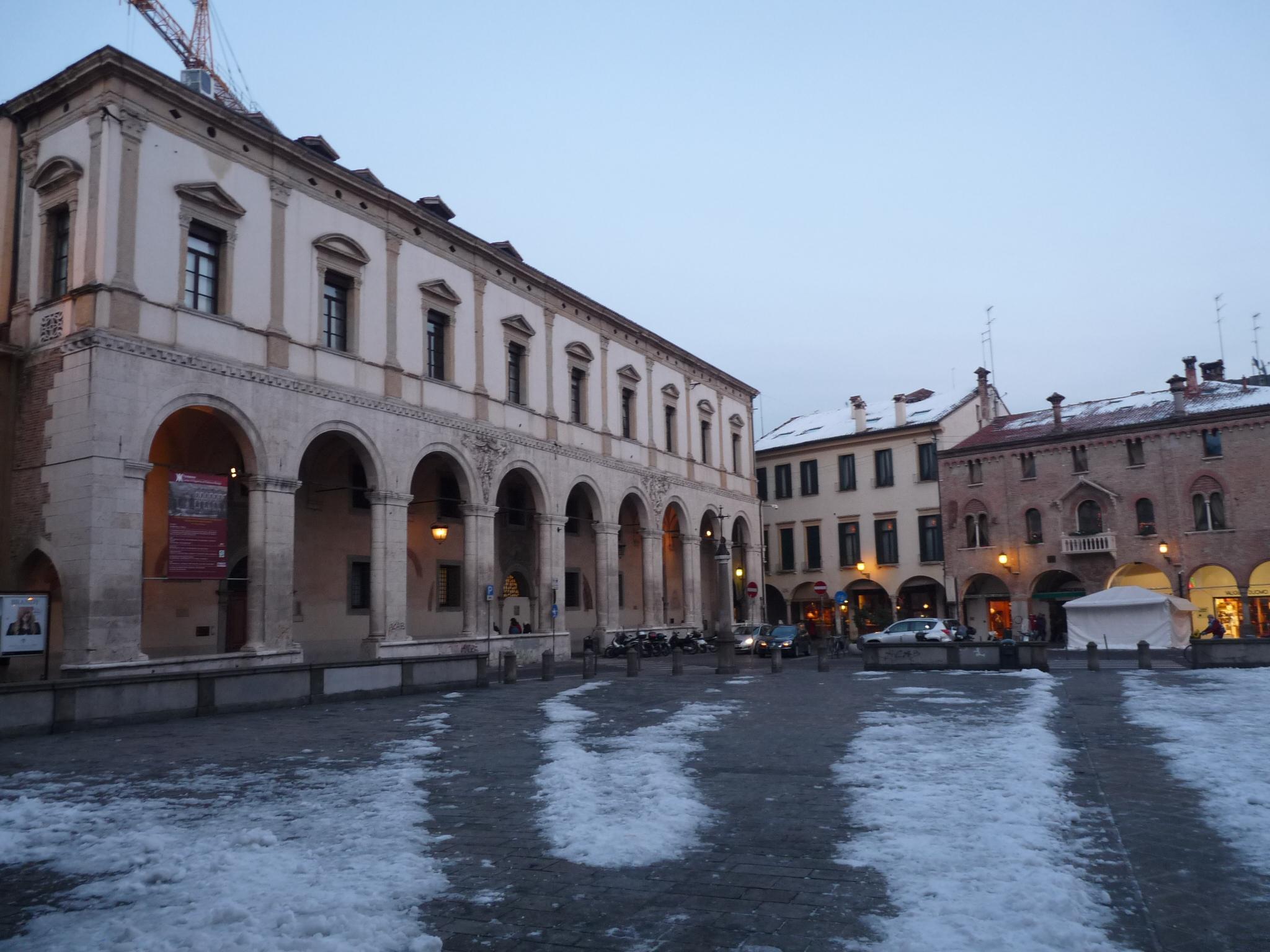 Monte di Pietà in Piazza Duomo