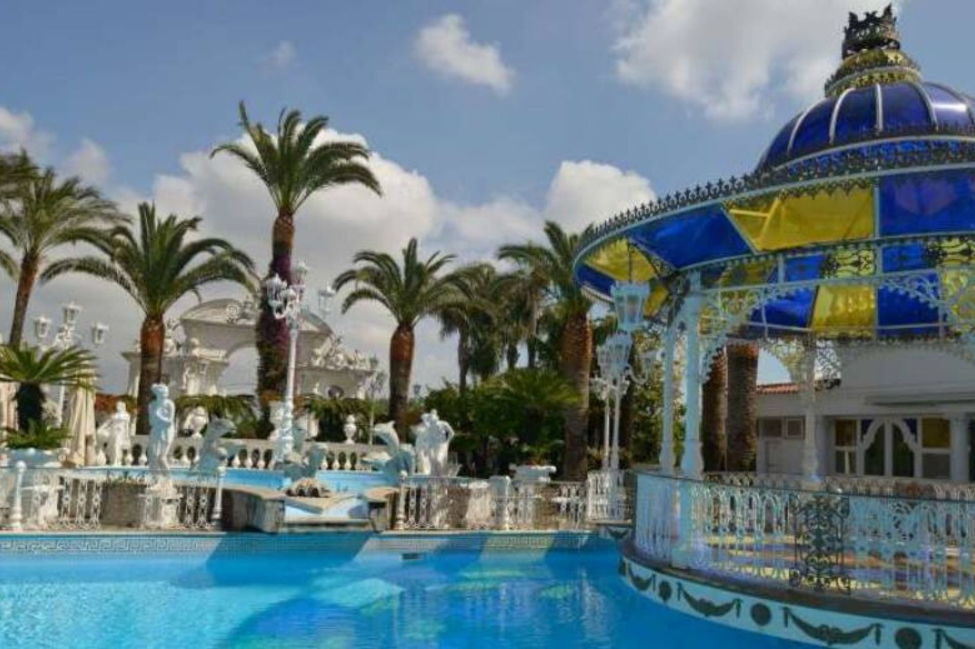 castello delle cerimonie piscina
