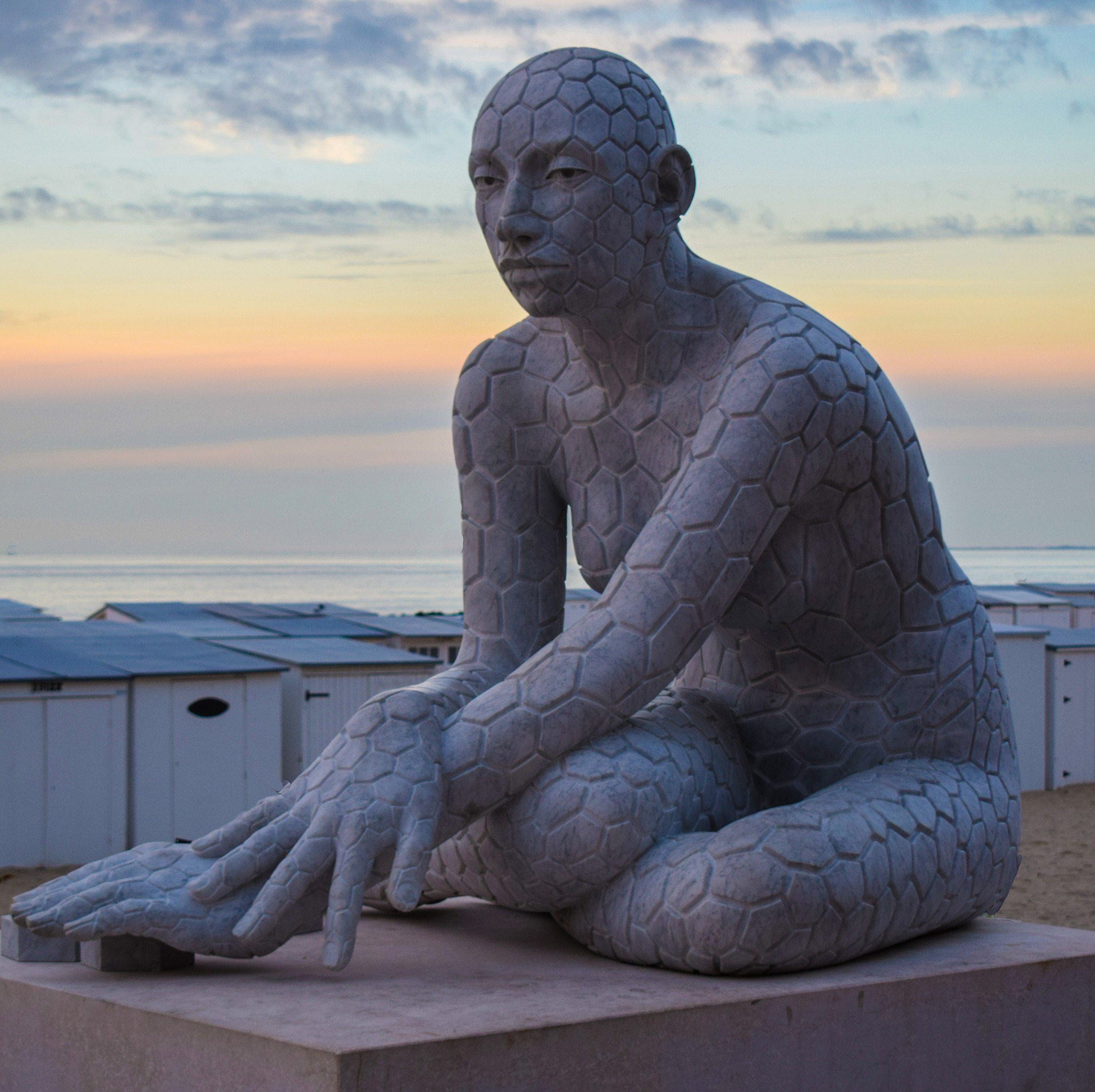 Gruppo UNA accende i riflettori sull'arte contemporanea