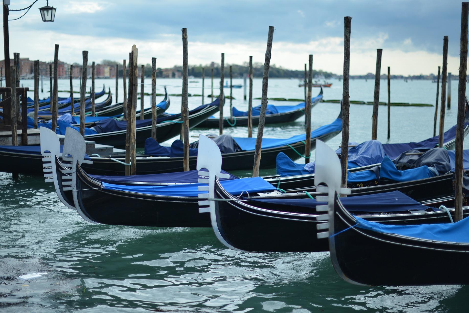 Prezzo di un giro in gondola a Venezia: