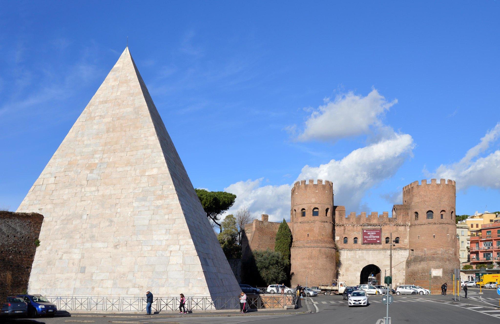 piramide di Caio Cestio