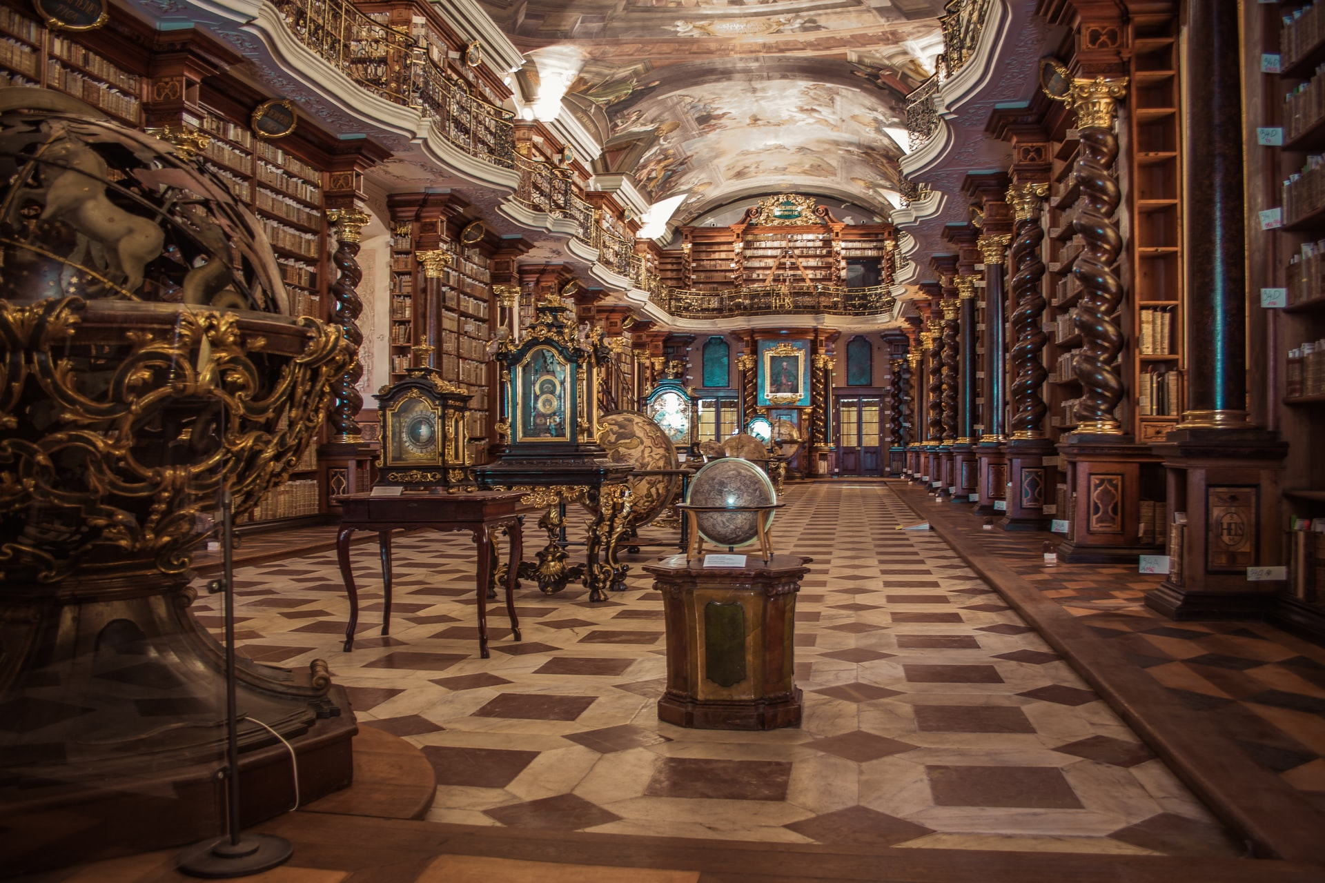 biblioteca praga visita