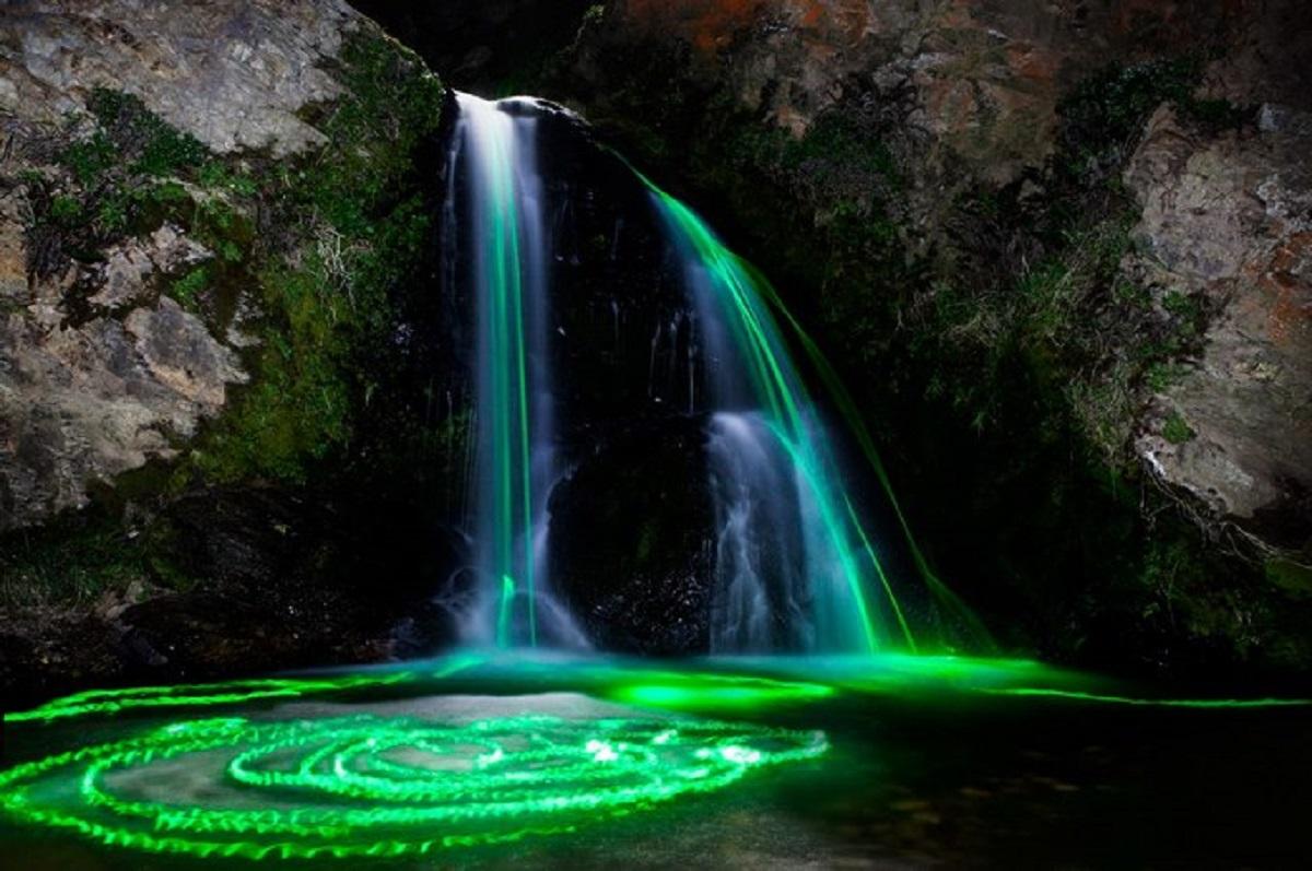 cascata di luci california