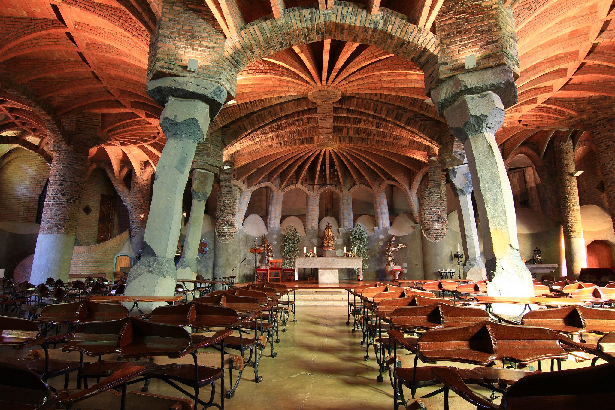 cripta della colonia guell barcellona