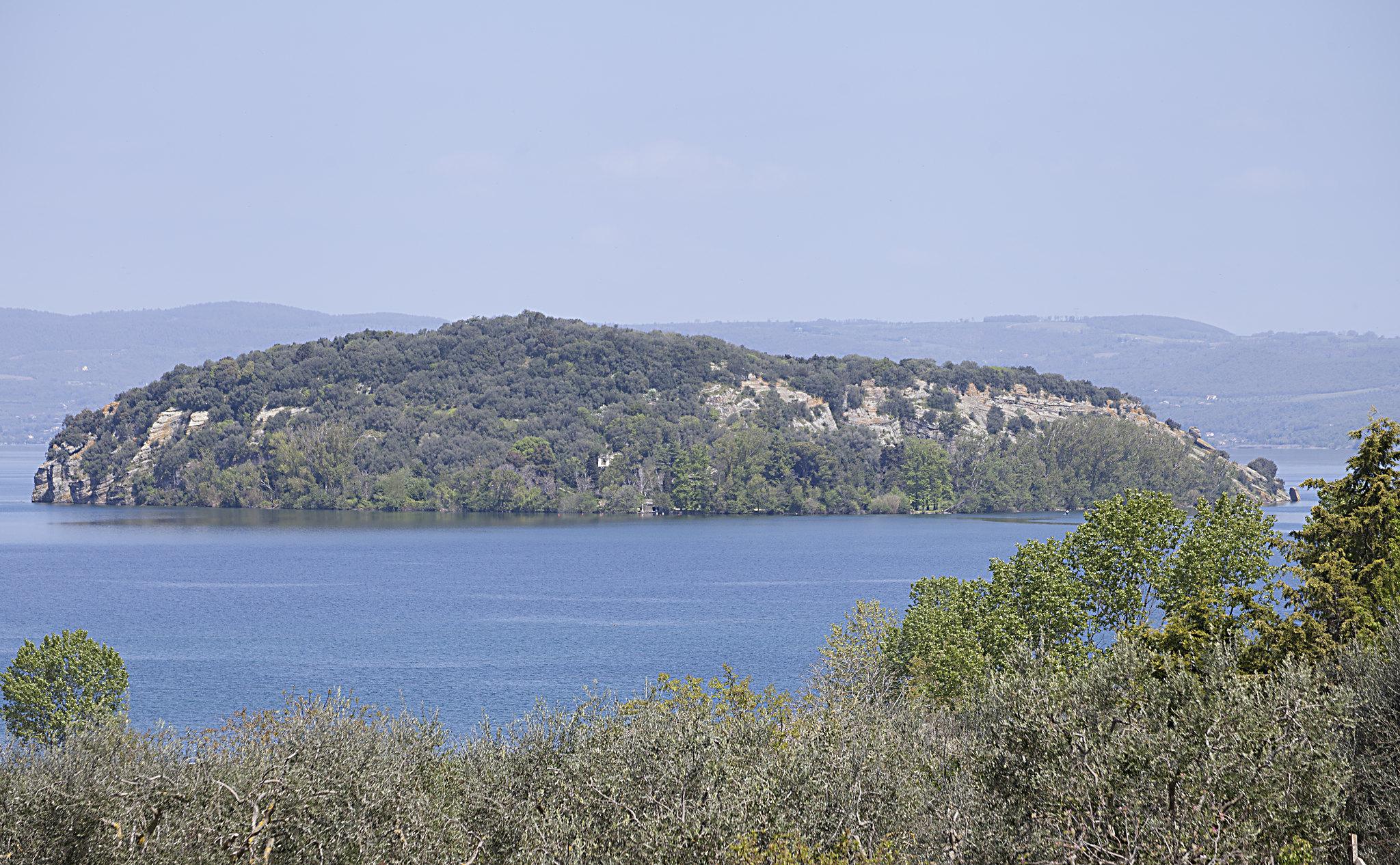 Isola Martana