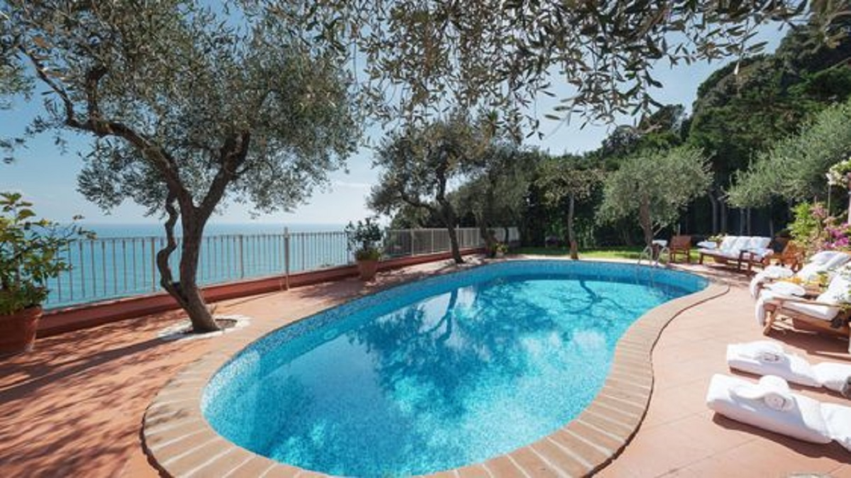 Affitto villa con piscina liguria