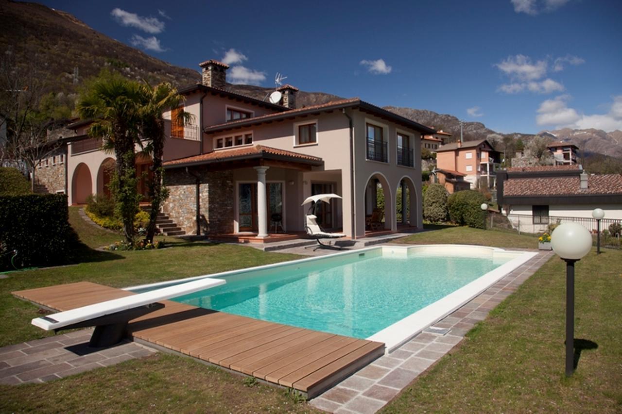 Affitto villa con piscina lombardia