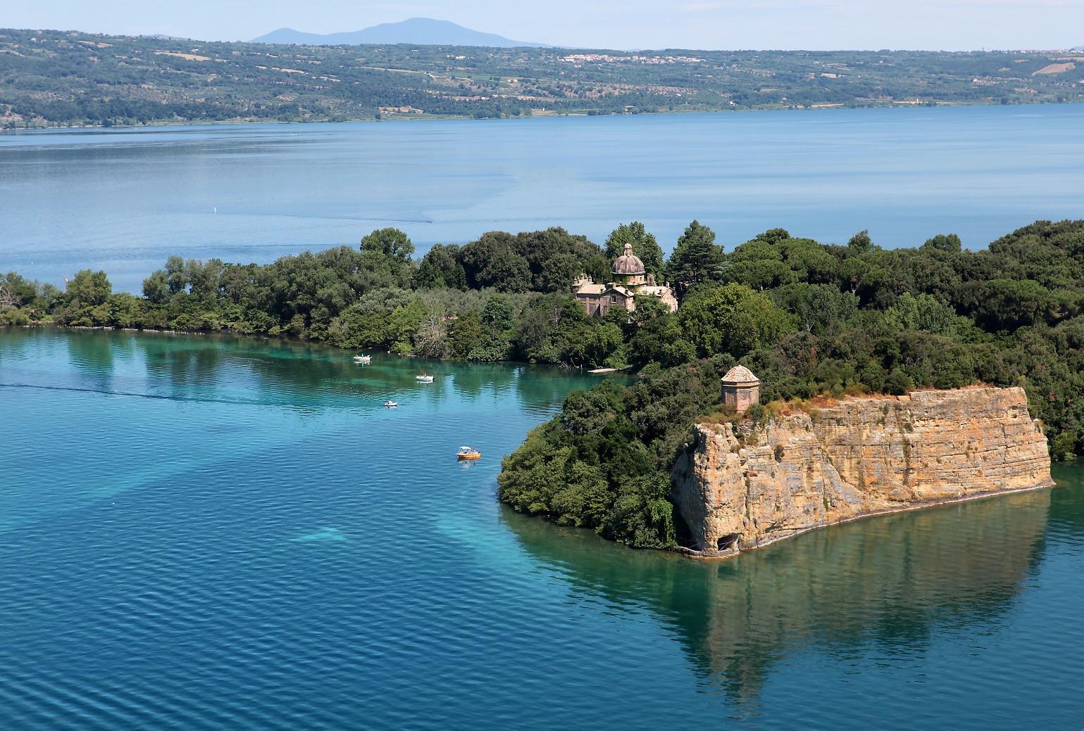 Isola Bisentina