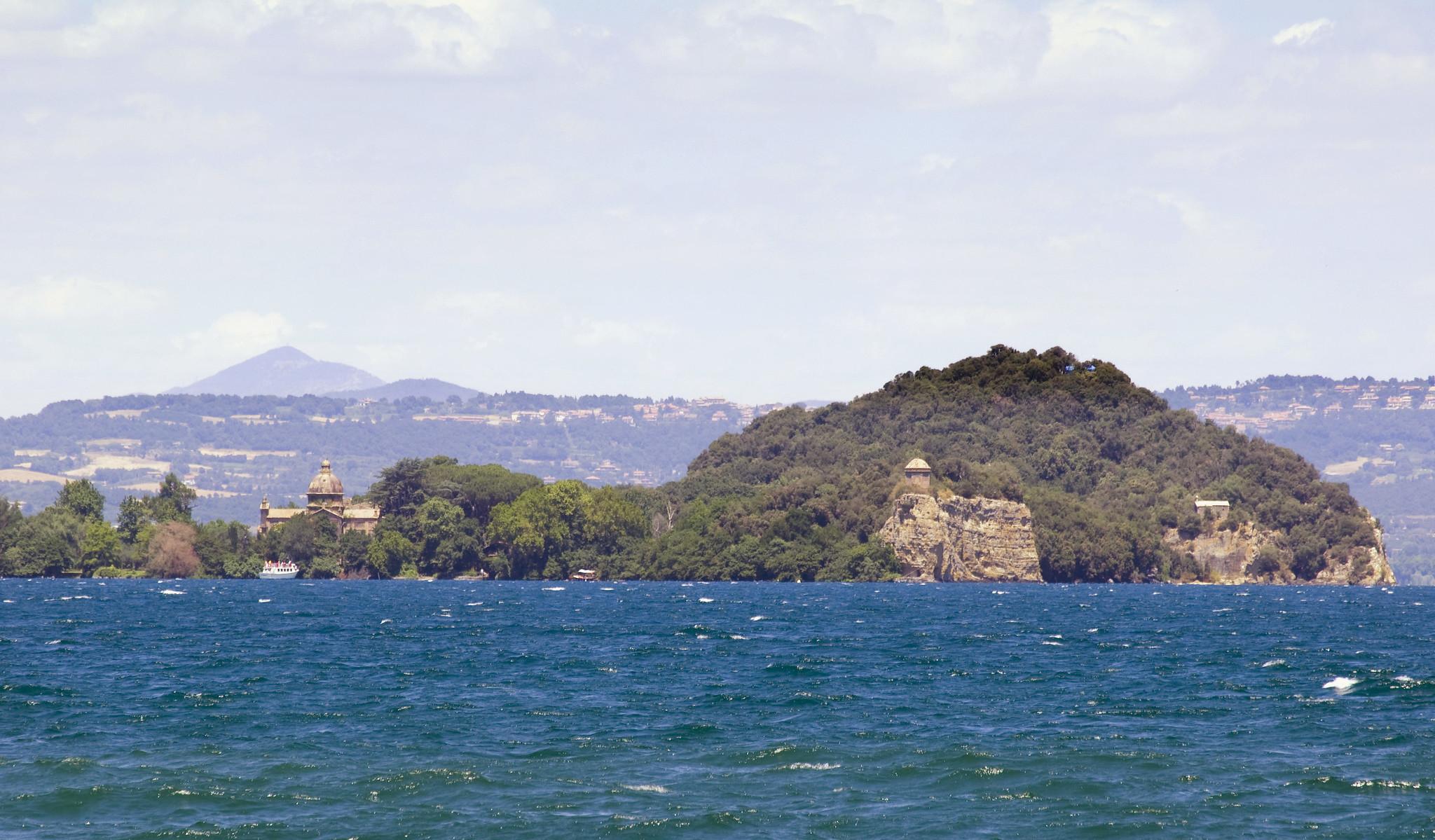 Isola bisentina visita e storia