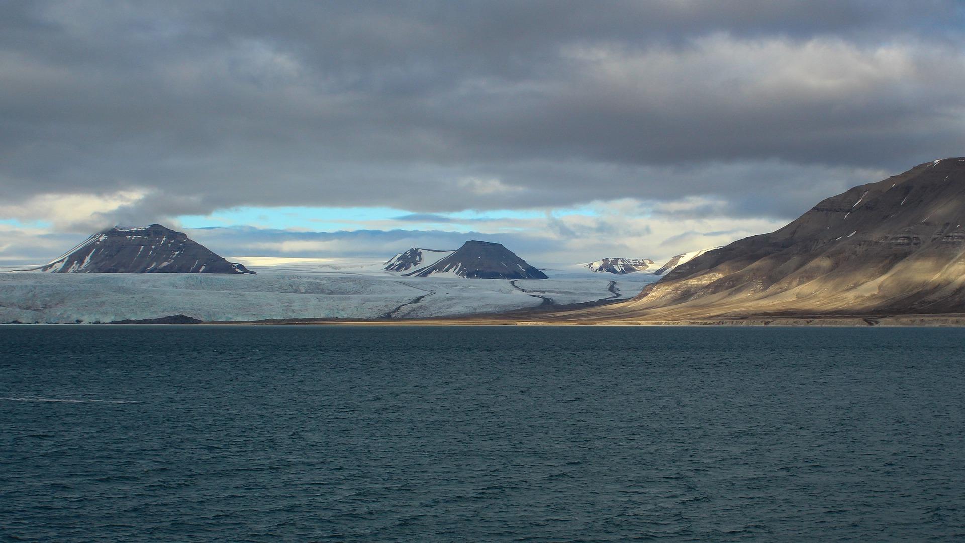 isola spitsbergen norvegia