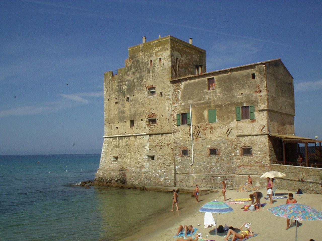 torre mozza toscana spiaggia e mare