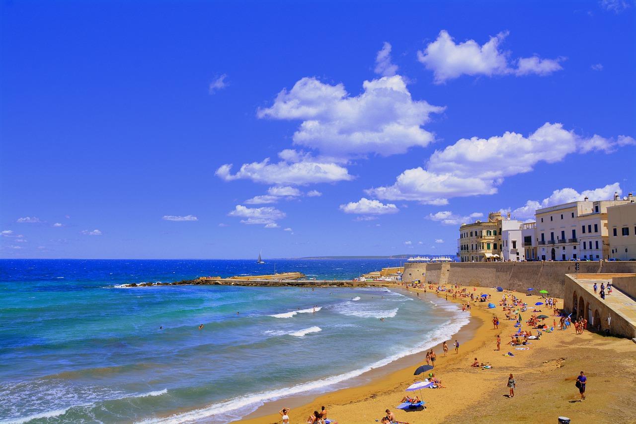Regole per le spiagge libere estate 2020