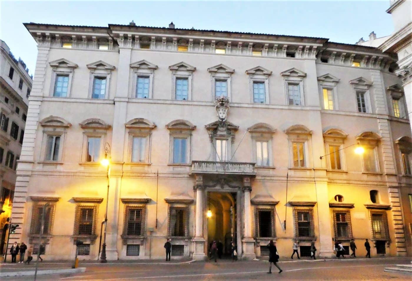 palazzo altieri roma visita