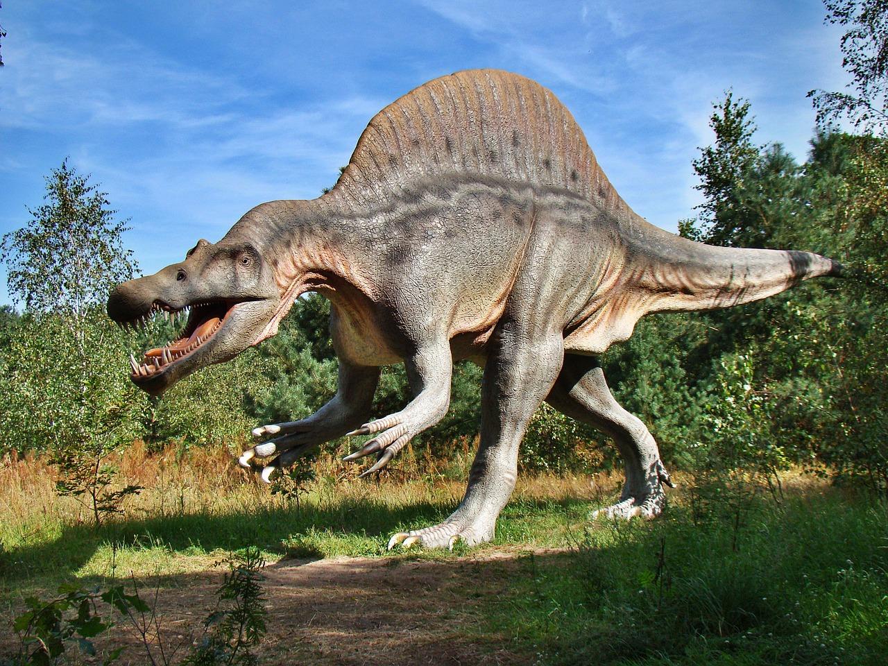 parchi con dinosauri italia