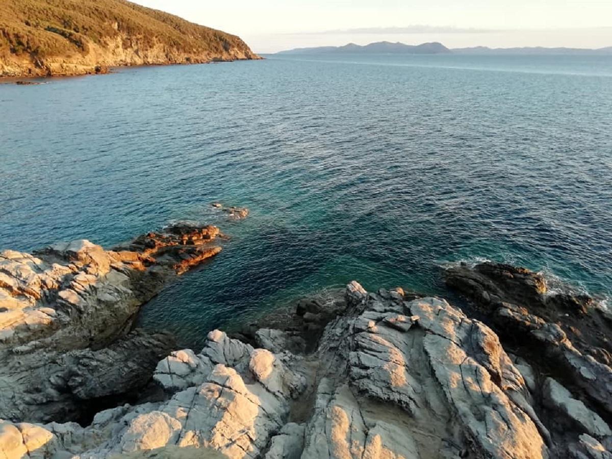 Buca delle Fate Toscana spiaggia