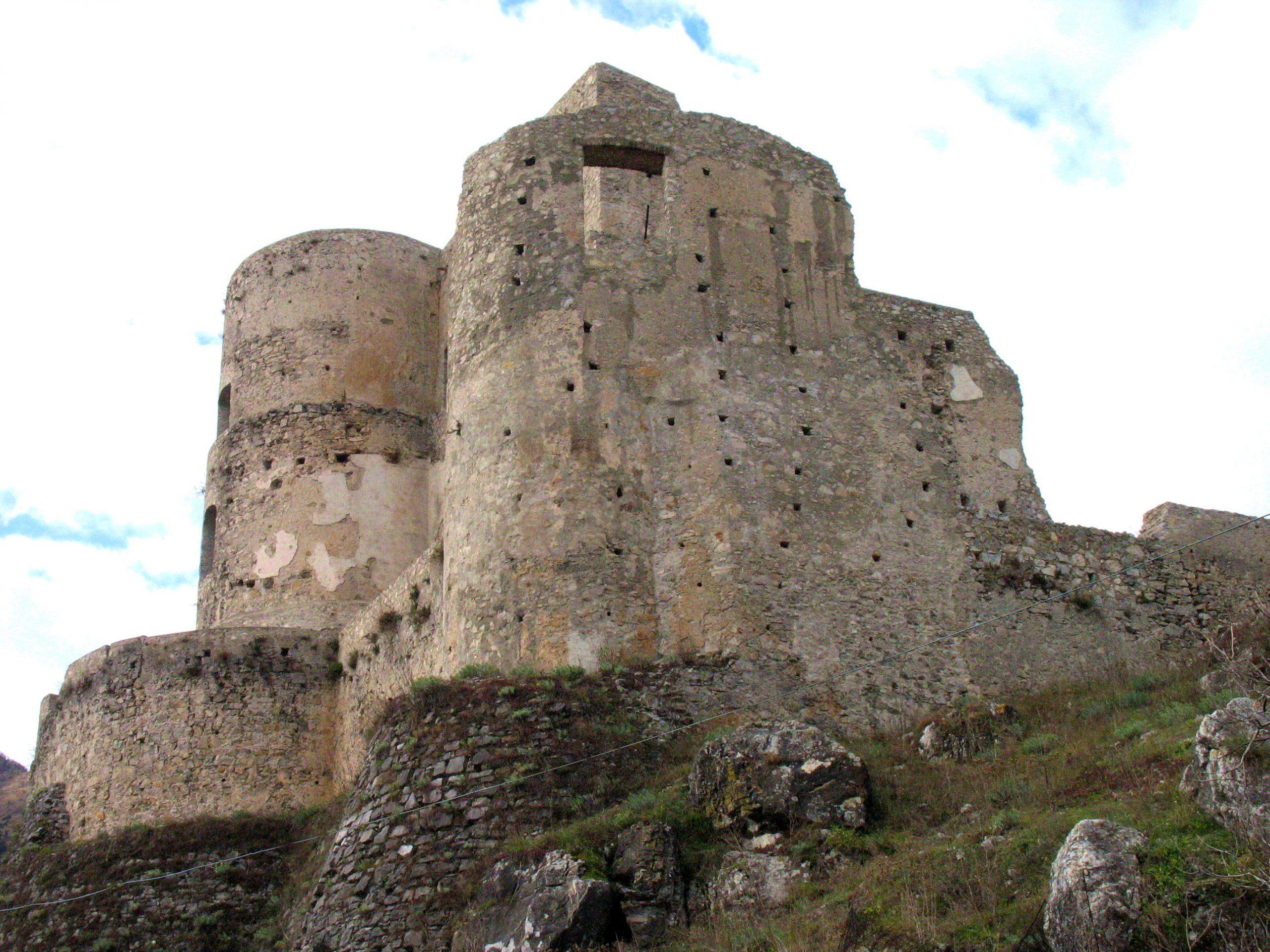 castello normanno svevo morano calabro